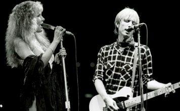 Stevie Nicks dedicates tour to Tom Petty