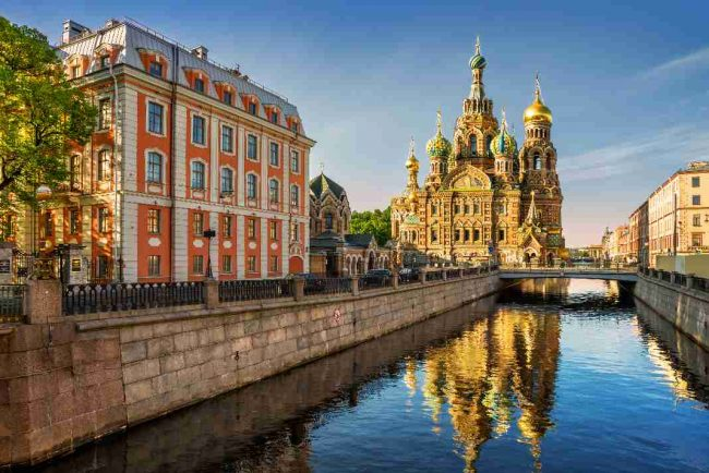 cheapest time to visit St Petersburg